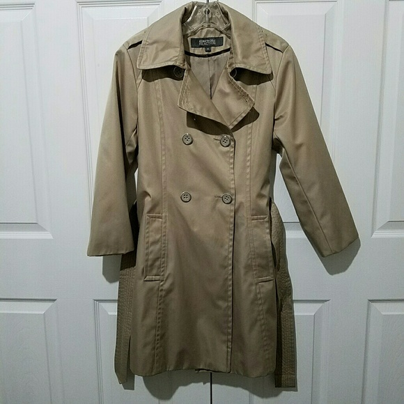 Kenneth Cole Reaction Jackets & Blazers - Kenneth Cole Reaction Short Brown Trench Coat Sz M